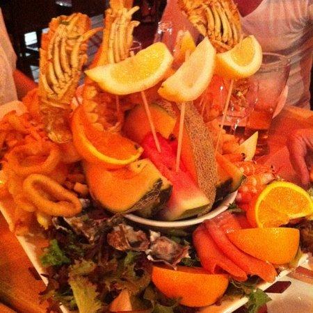 Max Seafood Restaurant: sea food platter