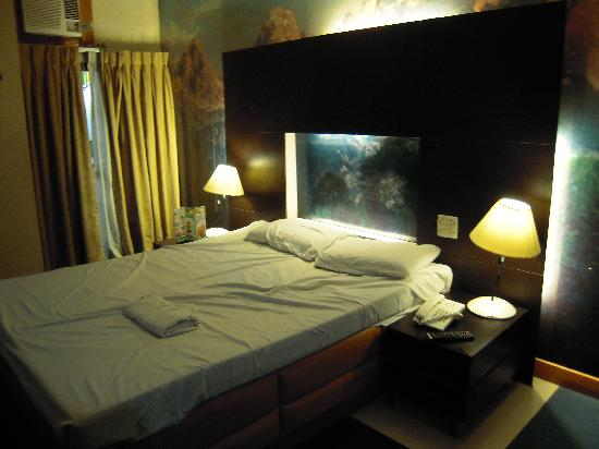 Hotel Dream World: Suite Room 1 (Rm 525)