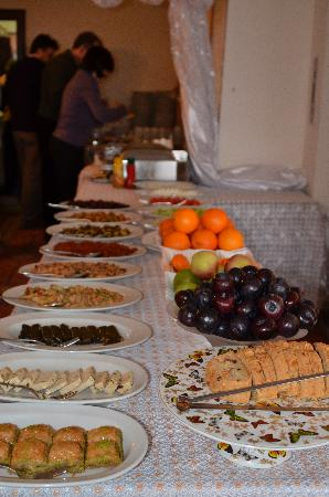 Ada Hotel Istanbul: Just a part of the breakfast.