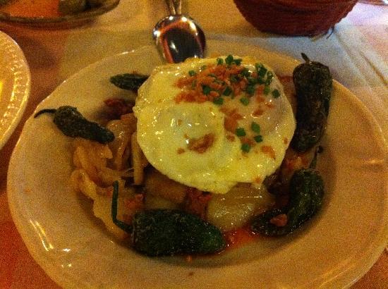 Bodegas Campos : Patatas huevos
