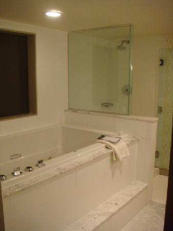 The Jacuzzi Tub In A Spa King Room Picture Of Kimpton Hotel