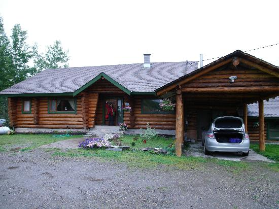 MamaYeh RV Park & Campground: The log house