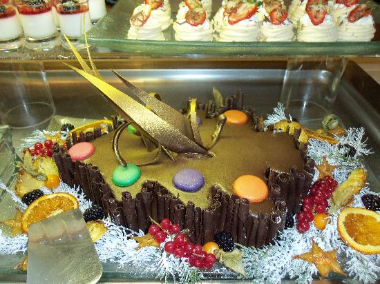 Alion Beach Hotel: New Year's Eve 2011 Buffet Desserts