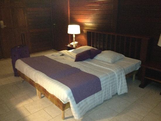 Van der Valk Kontiki Beach Resort: chambre