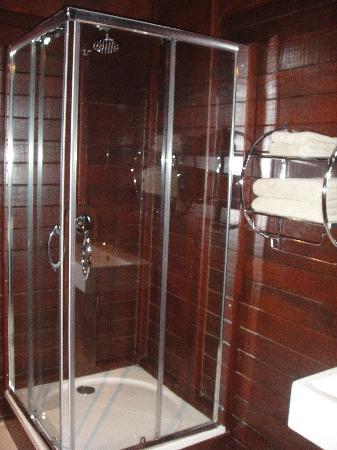 Van der Valk Kontiki Beach Resort: salle de bains