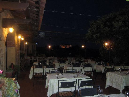 Ristorante Da Delfina: Abendstimmung Restaurant