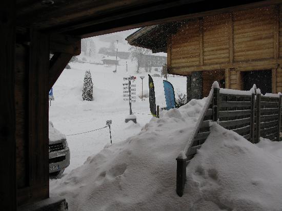 Chalet Martinet : So much snow!