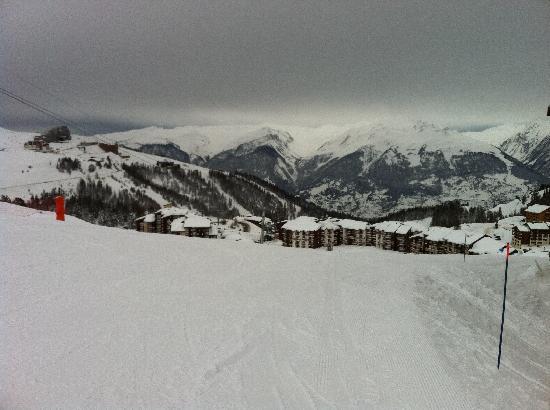 Village Residentiel de Tourisme Soderev : Plagne Villages - view from top of Village showing ski in/ski out slope