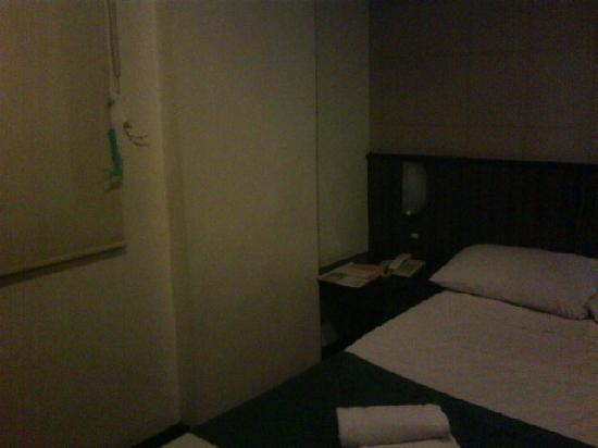 The Orange Place Hotel Quezon City: I taped the blind as privacy would be an issue