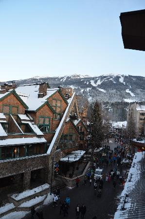 Crystal Lodge Hotel: Off balcony looking at slopes several buildings away.