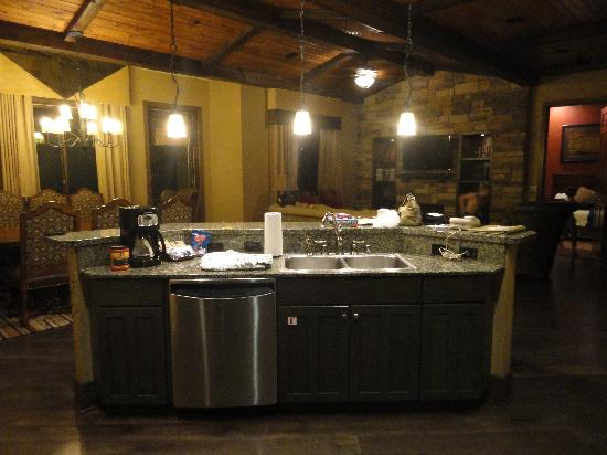 Wyndham Vacation Resorts at Glacier Canyon: Kitchen