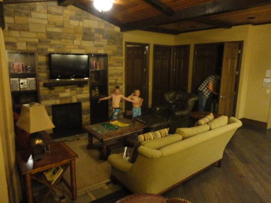 Living area picture of wyndham vacation resorts at Wyndham glacier canyon 2 bedroom deluxe