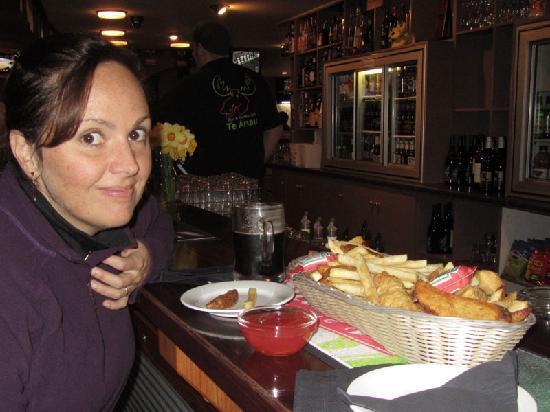 The Moose Bar & Restaurant: Eating at the bar