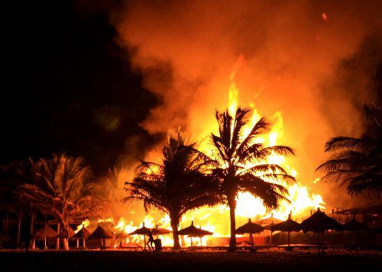 Fate/ICIDOTCOH - Página 5 Fire-from-the-beach