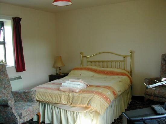 Chevin End Guest House: Example room