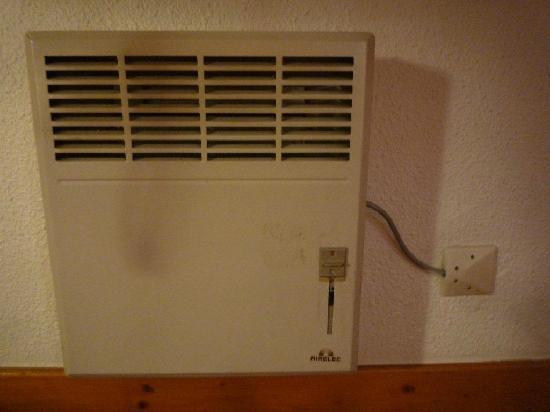Ibis St Etienne Gare TGV : Room heater