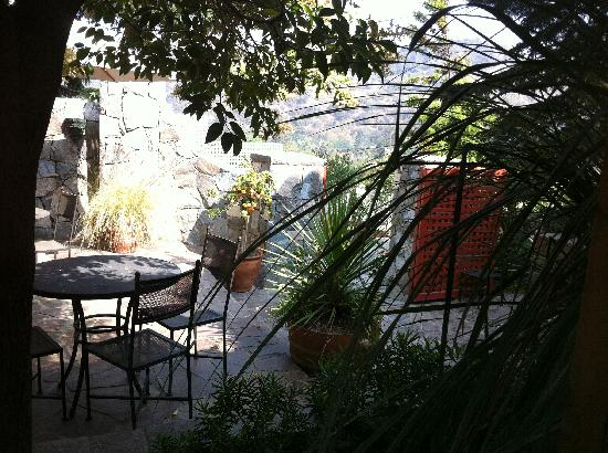Santiago Hillside Hotel: View from the dinning area
