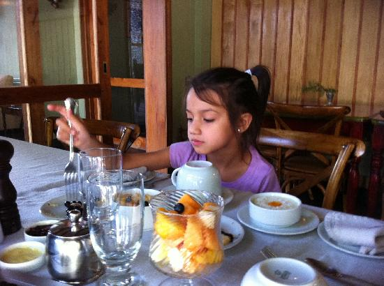 Santiago Hillside Hotel: Getting a very special treatment at breakfast