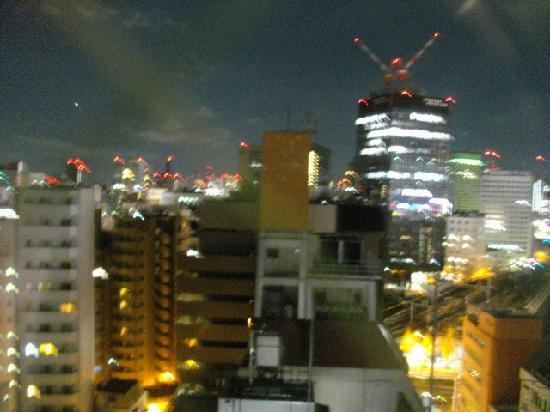 Viainn Akihabara: 窓から見る夜景(山手、京浜東北、中央線が交わる)
