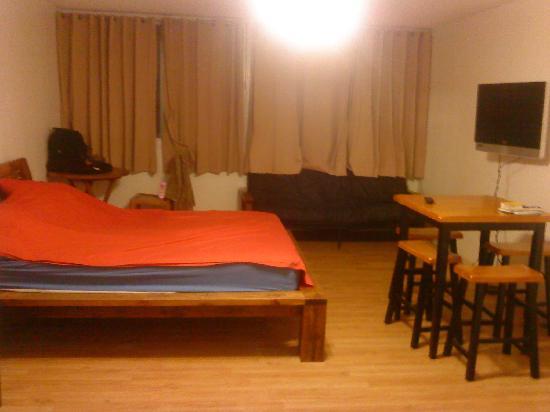 Room Picture Of Polynesian Hostel Beach Club Honolulu