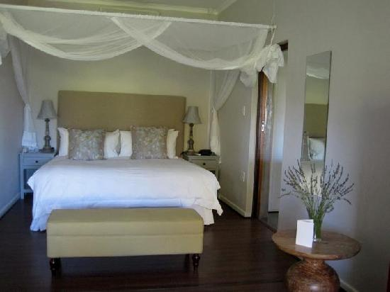 Angala Boutique Hotel and Guest House: Our bed