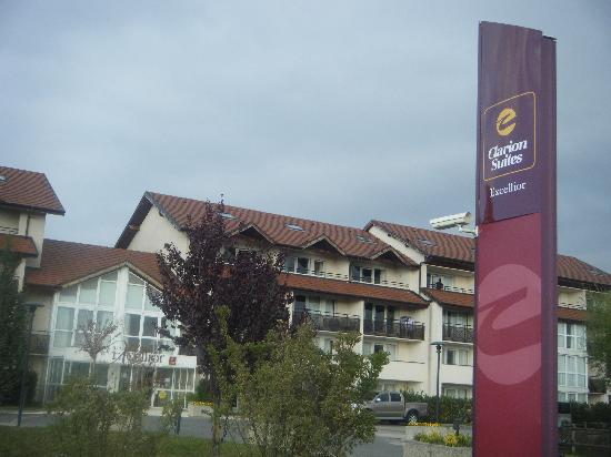 Adonis Excellior Grand Geneve: Hotel sign near entrance