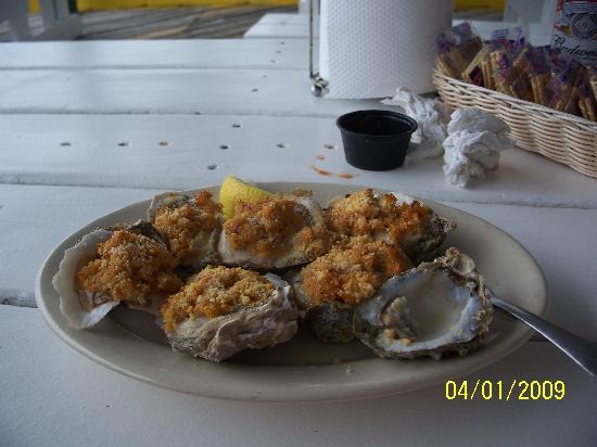"Gilligan's Seafood: a ""baker's half dozen"" YUM"