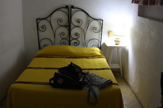 Hotel Trinidad Galeria: Our bed