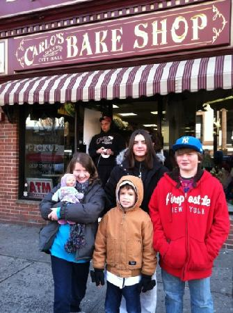 Carlo's Bakery : Grandchildren waiting in line for the BIG experience!!