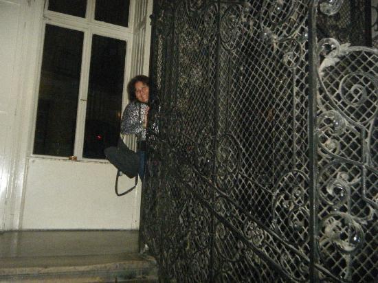 Leo Panzio Hotel: Elevator old style - nice ride