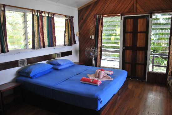 Uepi Island Resort: Bed presentation