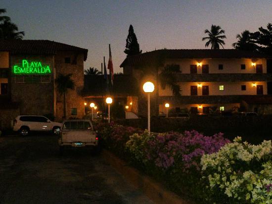 Playa Esmeralda Beach Resort: Entrance