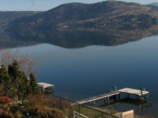 Willow Beach Bed and Breakfast: View of Knox Mountain