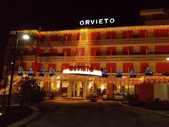 Hotel Terme Orvieto: Hotel di notte