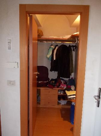 Hotel Terme Orvieto: cabina armadio