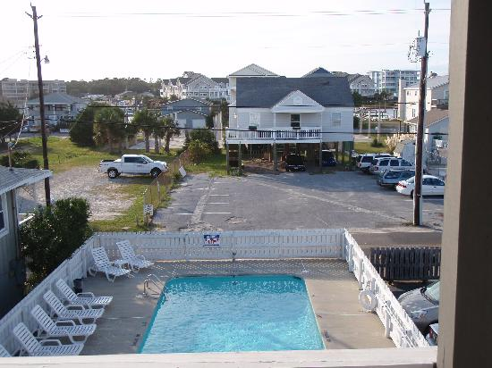 Beach House Inn and Suites: the pool