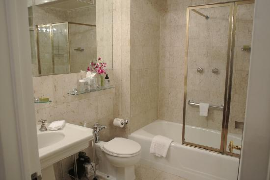 The Sherry-Netherland Hotel: Bathroom