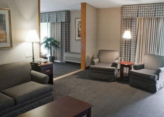 Baymont Inn & Suites Michigan City: Suite Room CINQuality Inn