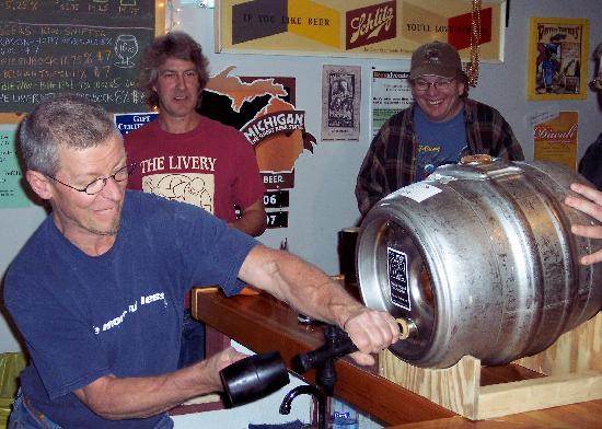 The Livery: Small batch 'firkin' being tapped by the Brewer!