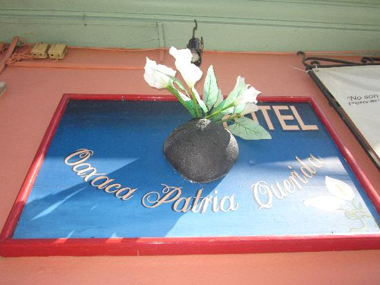 Hotel Patria Querida : Hotel Signage
