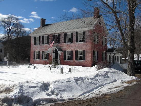 The Old Brick Tavern: The Old Brick Tavern Inn