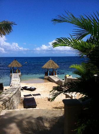 Hermosa Cove, Villa Resort & Suites: the beach area