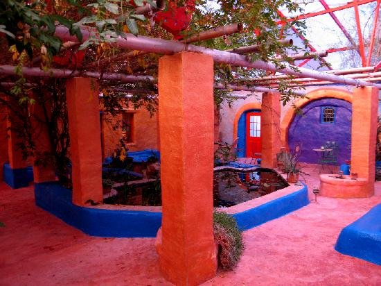 Eve's Garden Bed & Breakfast: Hidden Courtyard (by J Katz)