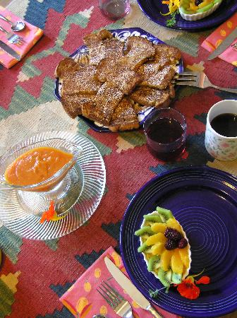 Eve's Garden Bed & Breakfast: Yummy homemade organic breakfas