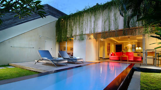 Bali Island Villas & Spa: Evening view
