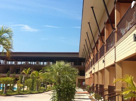 Maleedee Bay Resort: morning monday