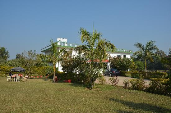 Hotel Green House: O hotel possui um grande jardim