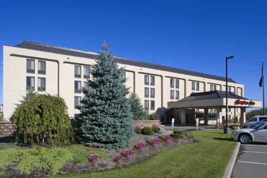 Hampton Inn Erie-South: Exterior 4