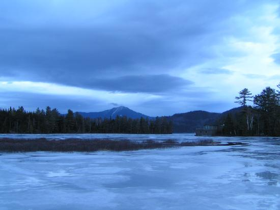 Placid Bay Inn: Nightshot of the frozen Lake Placid and White Face Mountain