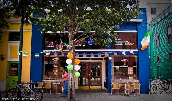 The Harp and Celt Irish Pubs and Restaurant: Harp and Celt Restaurant and Irish Pub